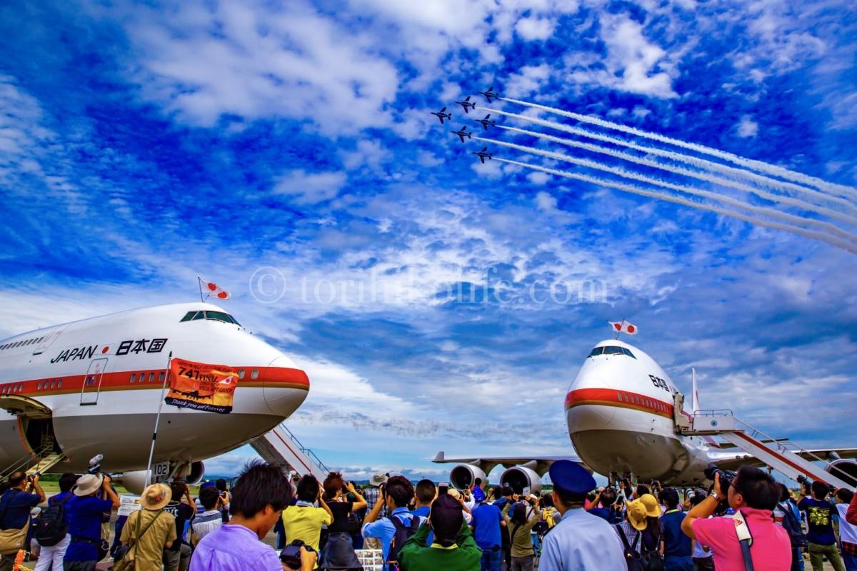 2018年の千歳基地航空祭で撮影した写真。シグナスとブルーインパルスとの絡み