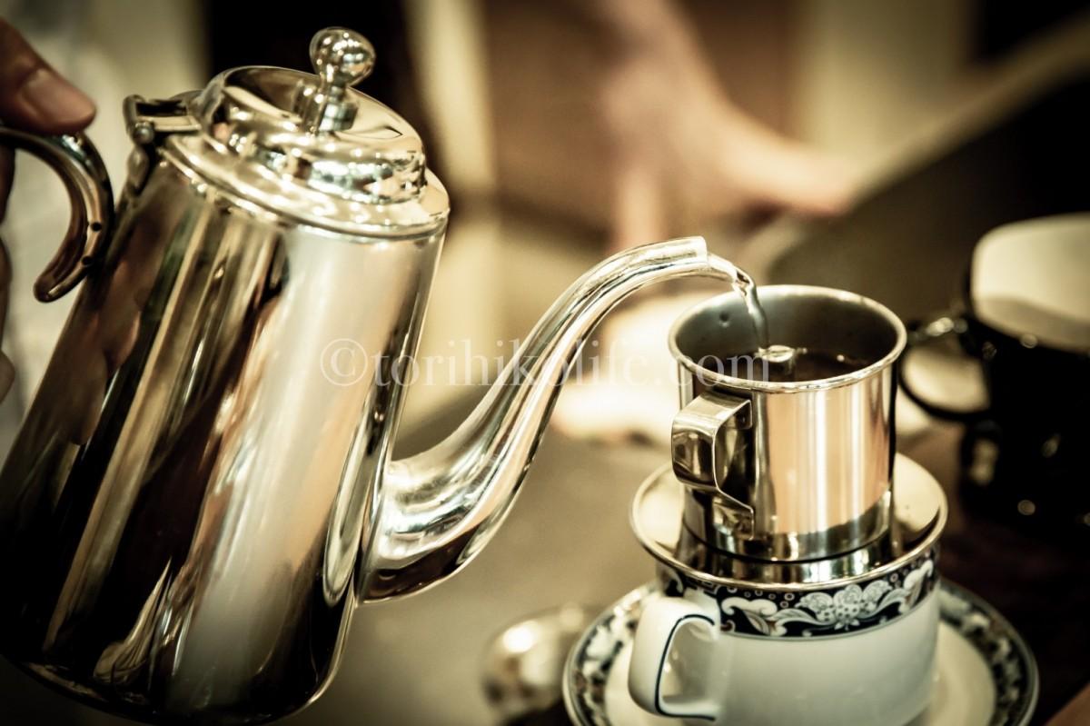 ベトナムコーヒーを入れるポット
