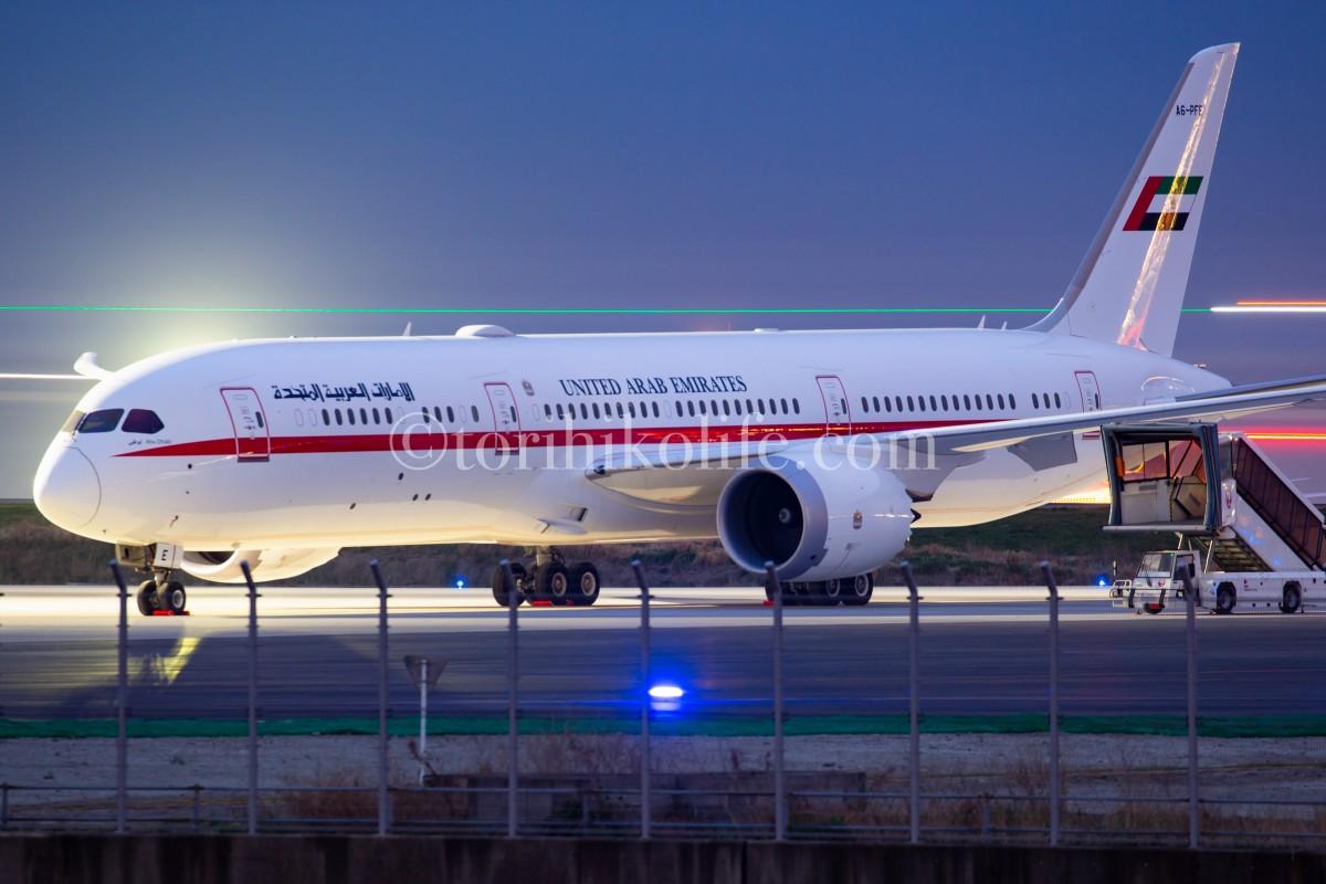 アラブ首長国連邦の政府専用機787を京浜島からバルブ撮影