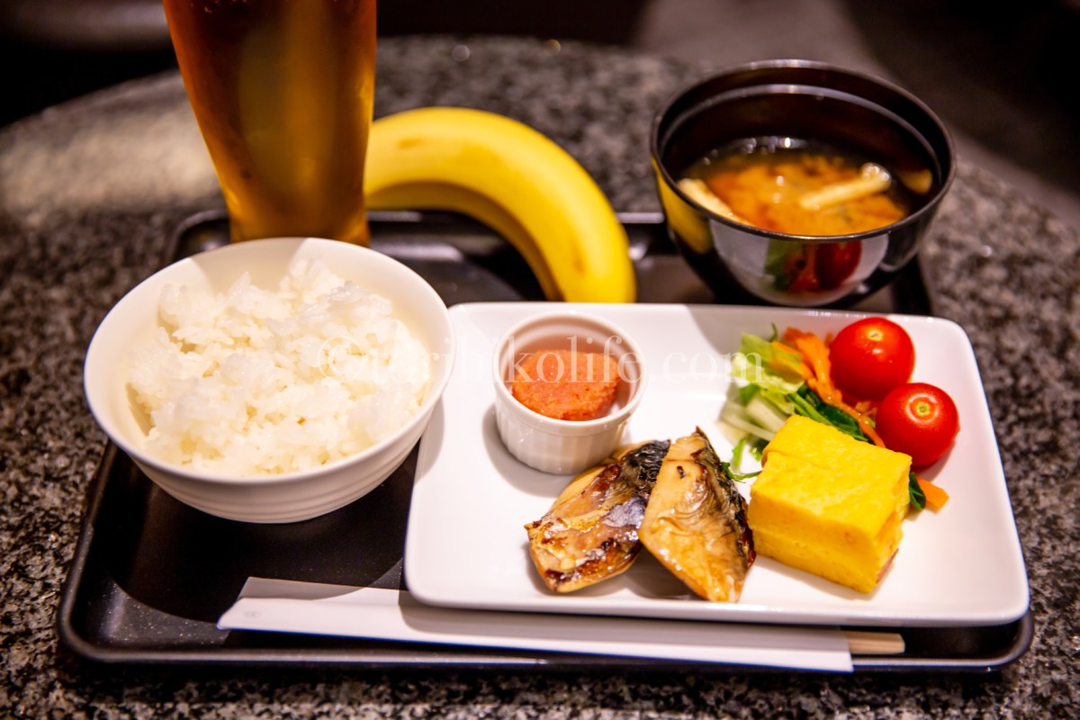アメリカン航空ラウンジで食べる事ができる本格的な和朝食