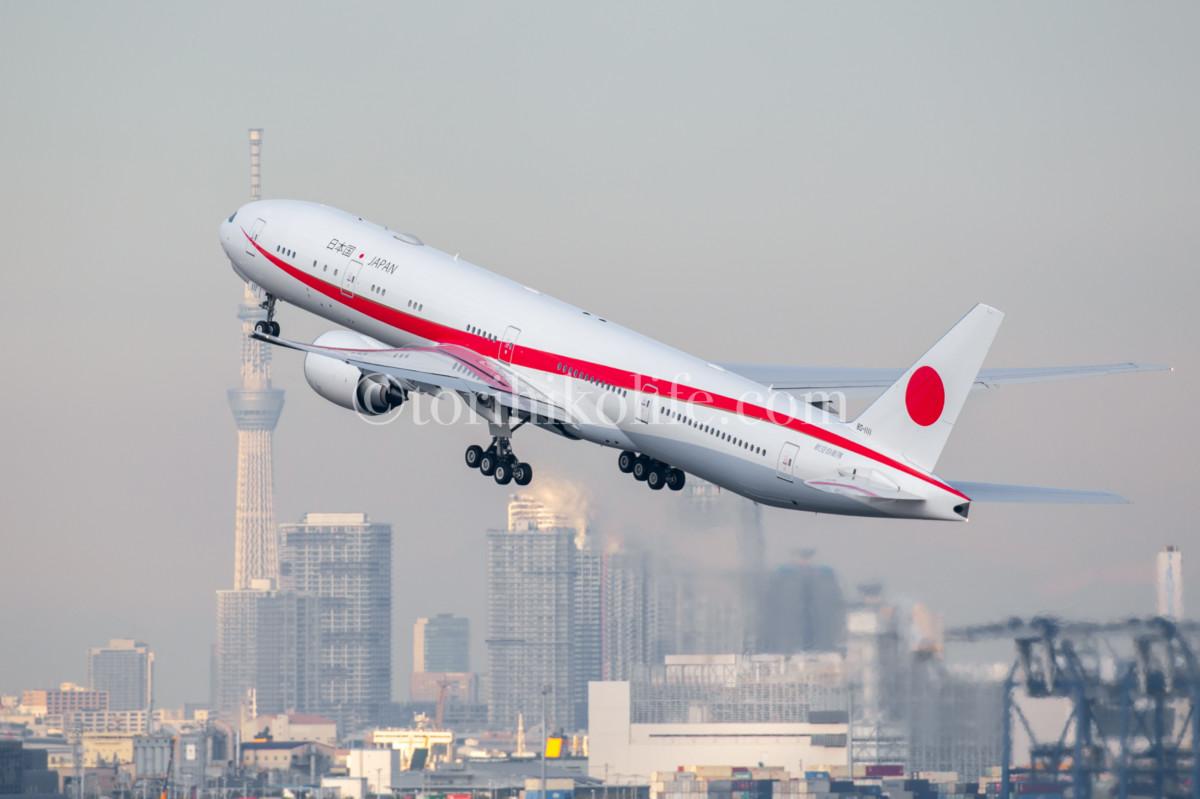 新しい政府専用機と東京スカイツリーとの絡み